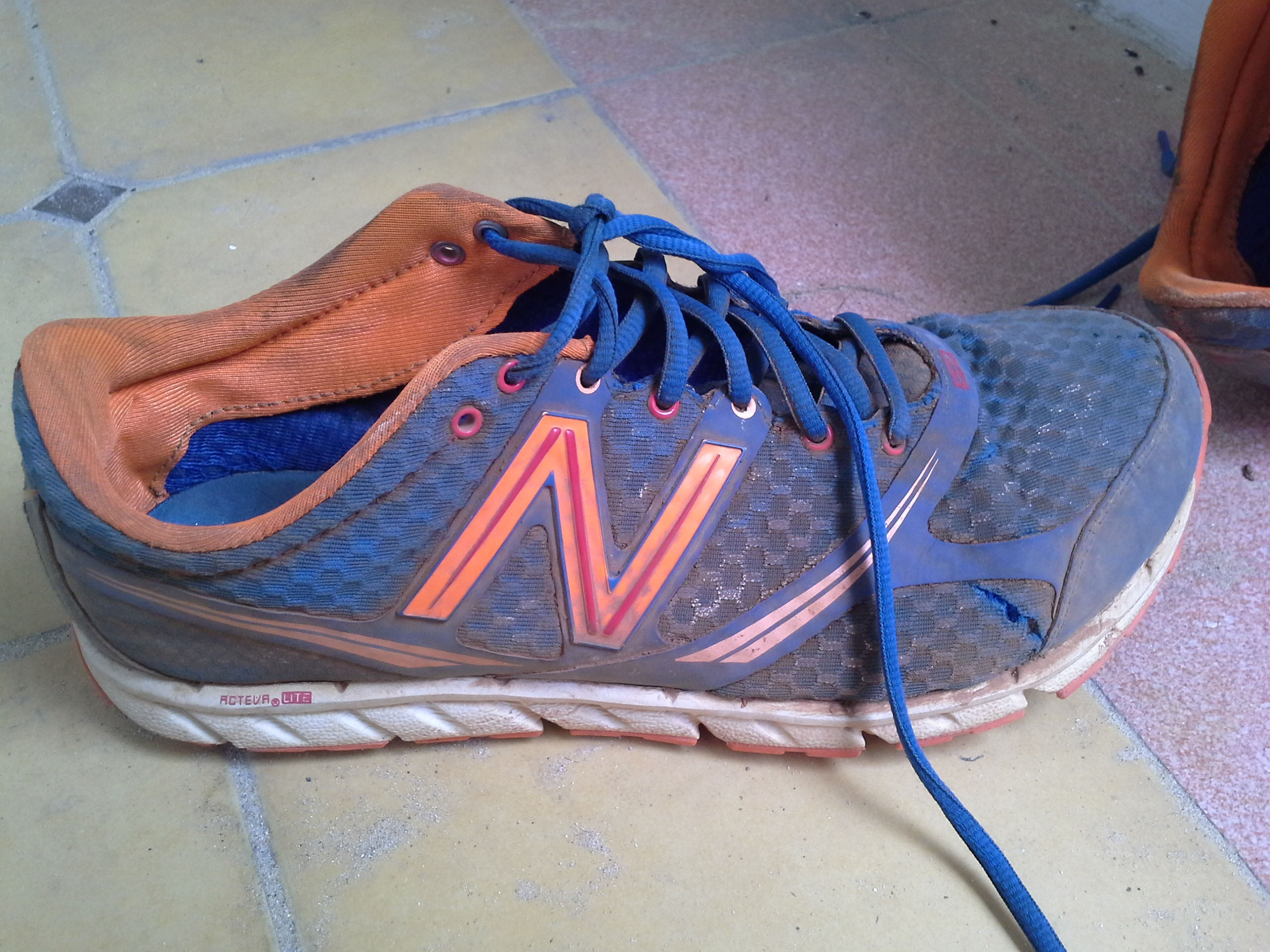 new balance running shoes thailand